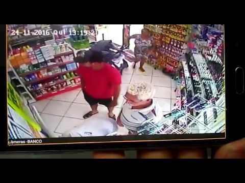 Bandidos rendem caixa e levam mais de R$ 4 mil de farmácia no Interlagos